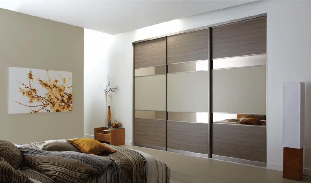 стильный шкаф в интерьере спальни