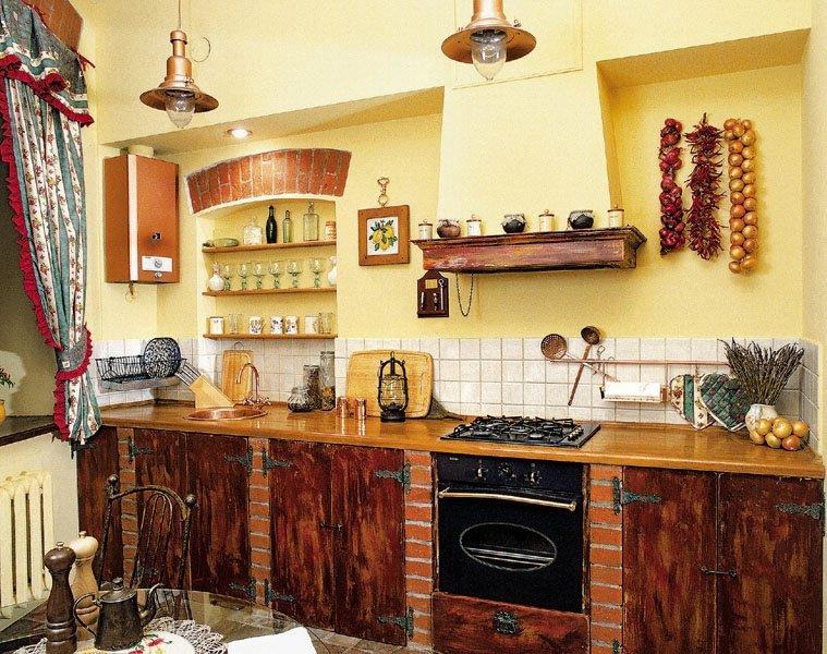Дизайн кухни в стиле кантри в реальной квартире в одной из новостроек