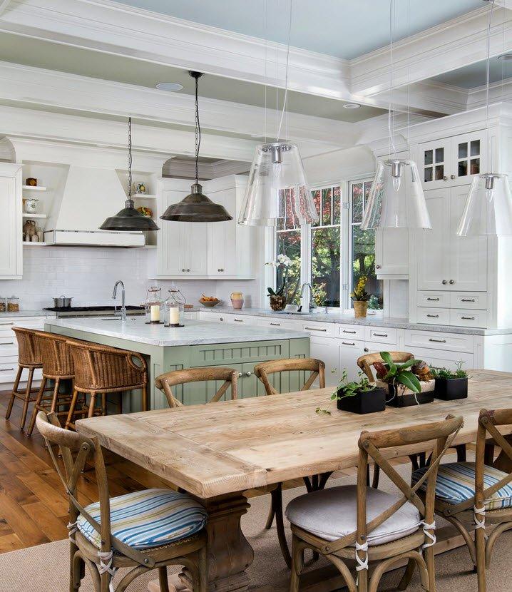 контраст светлого дерева с белой краской кухонного гарнитура