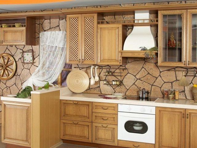 каменная отделка стен кухни